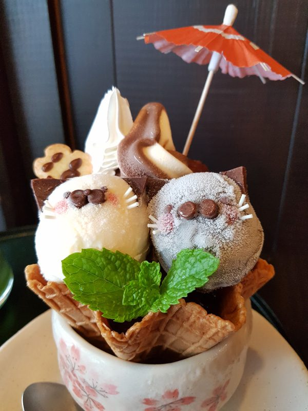 Mister Wong in Onomichi, Japan, Okayama Preceture Port Cat Lover Town Cafe Traditional Sweets, Catshaped Ice Cream, Matcha